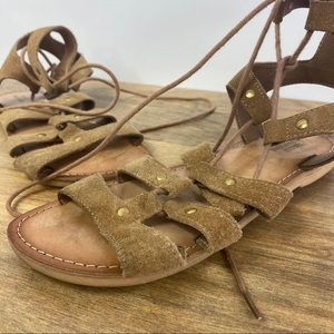 Urban Outfitters   Tan Gladiator Sandal   US W 7
